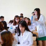 Học sinh lo lắng chỉ giỏi 3 môn không có cơ hội xét tuyển ngành Y