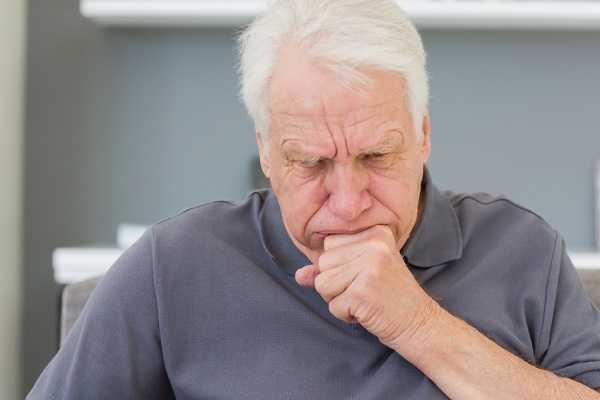 Bệnh viêm phế quản mãn tính biểu hiện bởi những cơn ho dài