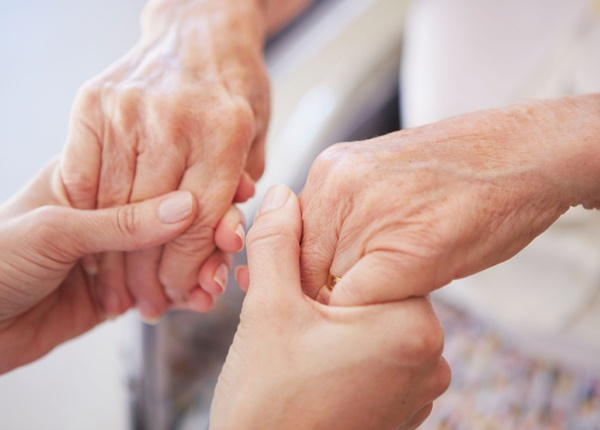 Bệnh run tay là gì?
