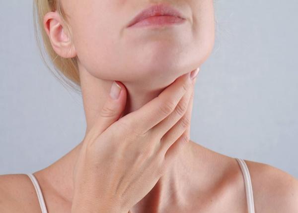 Triệu chứng ung thư tuyến giáp xuất hiện như thế nào?