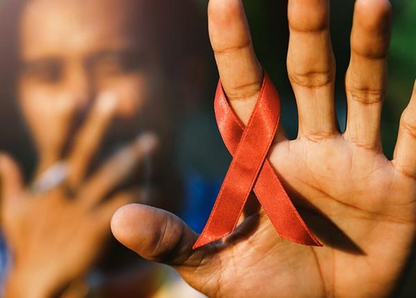 Triệu chứng HIV và 5 dấu hiệu nhận biết