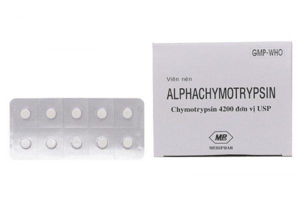 Người bệnh cần chú ý gì khi dùng thuốc alphachymotrypsin