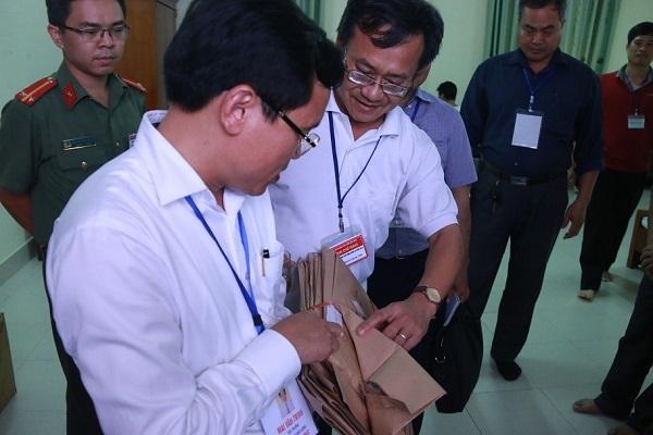 Hoa Binh Cong Bo Cac Con Giam Doc Duoc Nang Diem Thi Thpt Quoc Gia