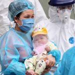 Mẹ cháu bé 3 tháng tuổi nhiễm Covid-19 mong muốn con gái sau này trở thành bác sĩ