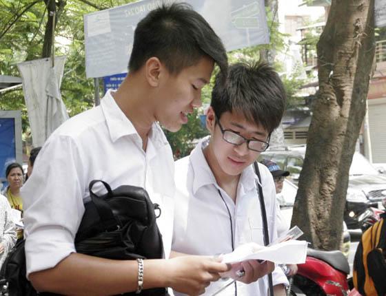 Huy Dong Giang Vien Dai Hoc Tham Gia Thanh Tra Thi Tot Nghiep 2020 1