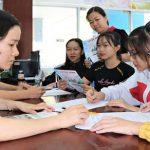 Nhiều trường ĐH chạy đua xét tuyển bằng học bạ