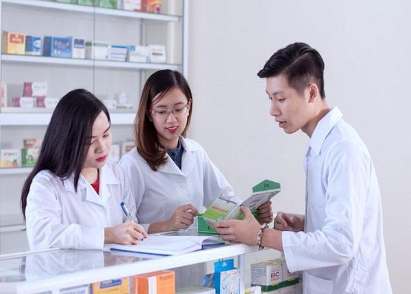 Bằng Văn bằng 2 Cao đẳng Dược có được mở quầy thuốc không?