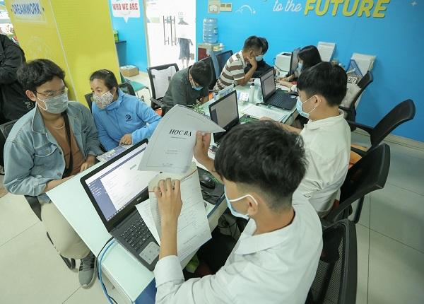 Hai Truong Dau Tien Cong Bo Xet Tuyen Hoc Ba Chi Tieu Tuyen Sinh 2021 1