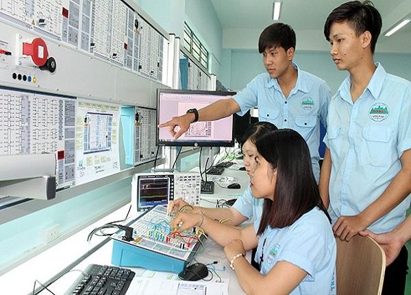 Tuyen Sinh 2021 Nang Cao Chat Luong Giao Duc Nghe Nghiep